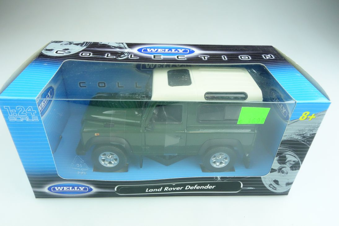 Welly 1/24 Land Rover Defender Hardtop green mit Box 508533