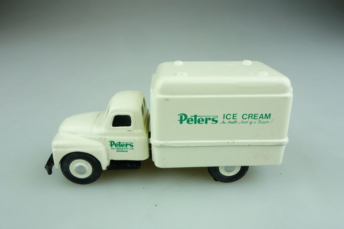 Micro Models 1/43 International Ice Cream Truck Peters Limited ohne Box 508626