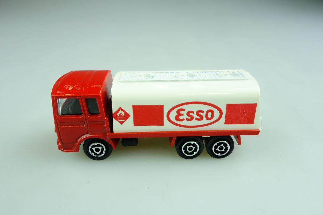 245 Majorette 1/100 Saviem CiterneTruck ESSO Tankwagen ohne Box 508738