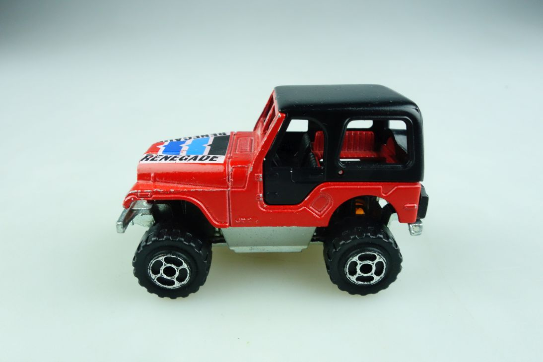 290 Majorette 1/54 Jeep Renegade CJ 7 Monster ohne Box 508869