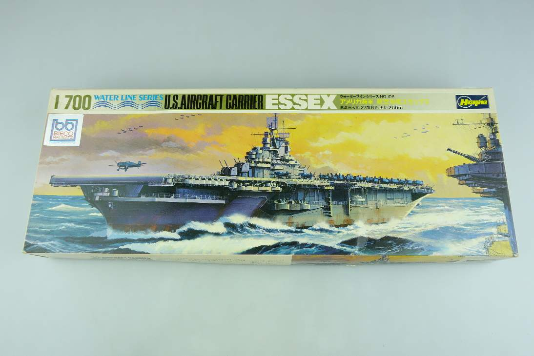 Hasegawa 1/700 US Aircraft Carrier ESSEX WL.A108 Water Line Series Kit 106900