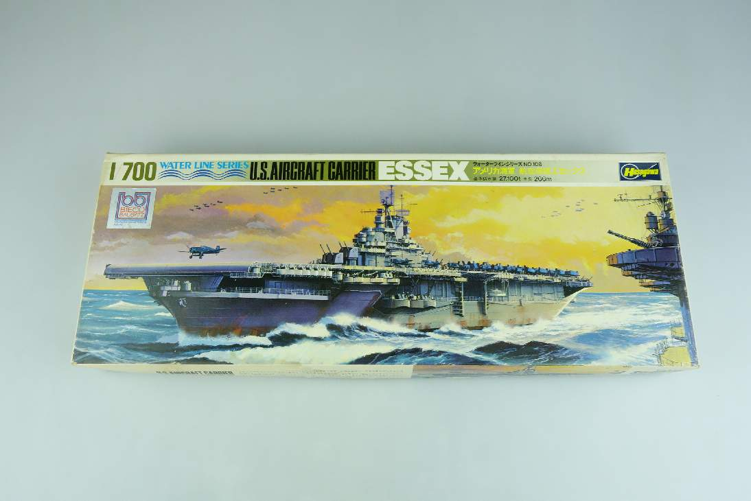 Hasegawa 1/700 US Aircraft Carrier ESSEX WL.A108 Water Line Series Kit 106901