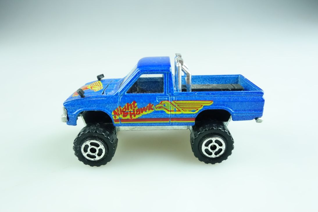 292 Majorette 1/56 Toyota Pickup 4x4 Night Hawk ohne Box 509243