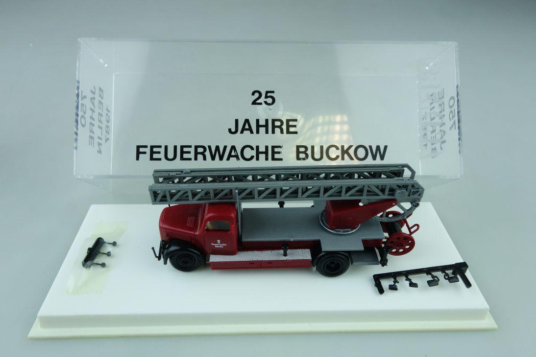 Brekina 1/87 25 Jahre Feuerwehr Buckow Berlin Magirus Leiterwagen   Box 510073