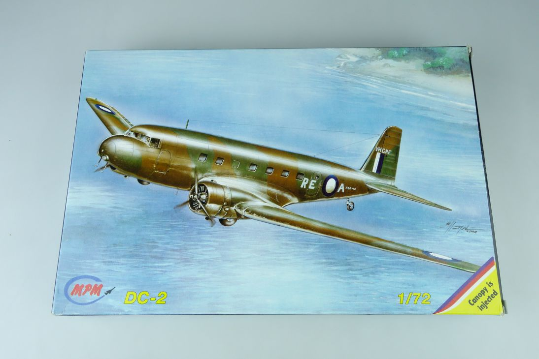 MPM 1/72 DC-2 prop plane Kit 72091 Bausatz Box 107644