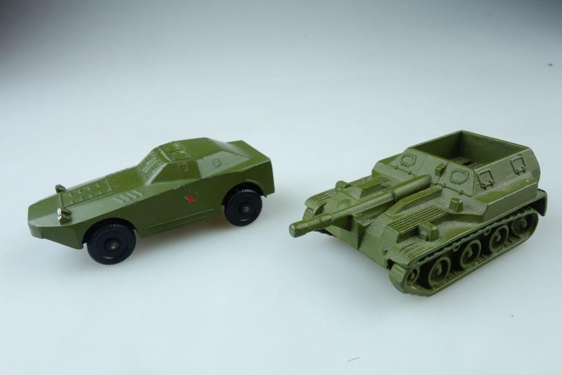 2x Sowjet Vintage CCCP USSR Metall Haubitze Panzer 4x4 Tank 107396