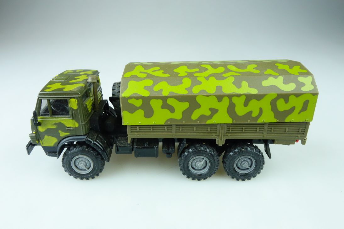 Novoexport 1/43 Militär Kamaz 4310 6x6 Pritsche Plane cccp DDR ohne Box 510158