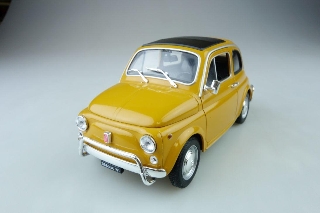 Welly 1/18 Fiat 500 L selten ockergelb ohne Box 510185