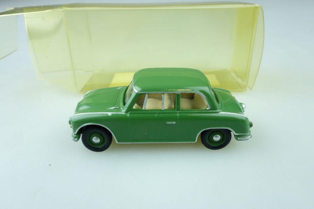 RK HDV Günsel Kleinserie 1/87 AWZ P70 DDR Limousine mit Box 510218