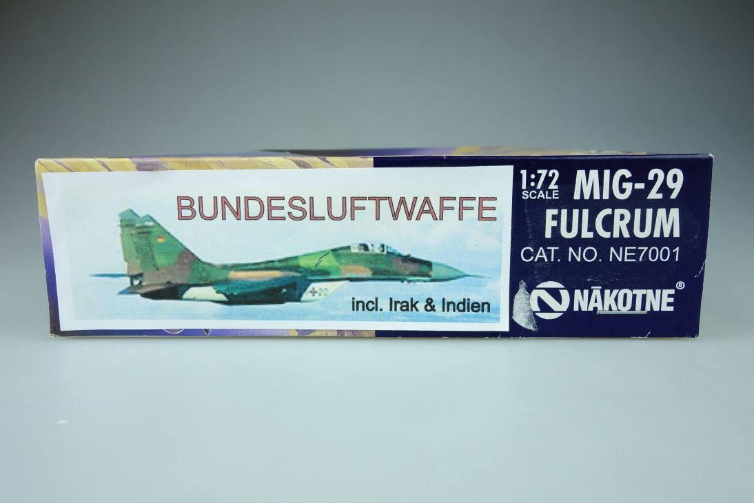 NAKOTNE 1:72 MIG-29 FULCRUM Kit NE7001 + Box 107711