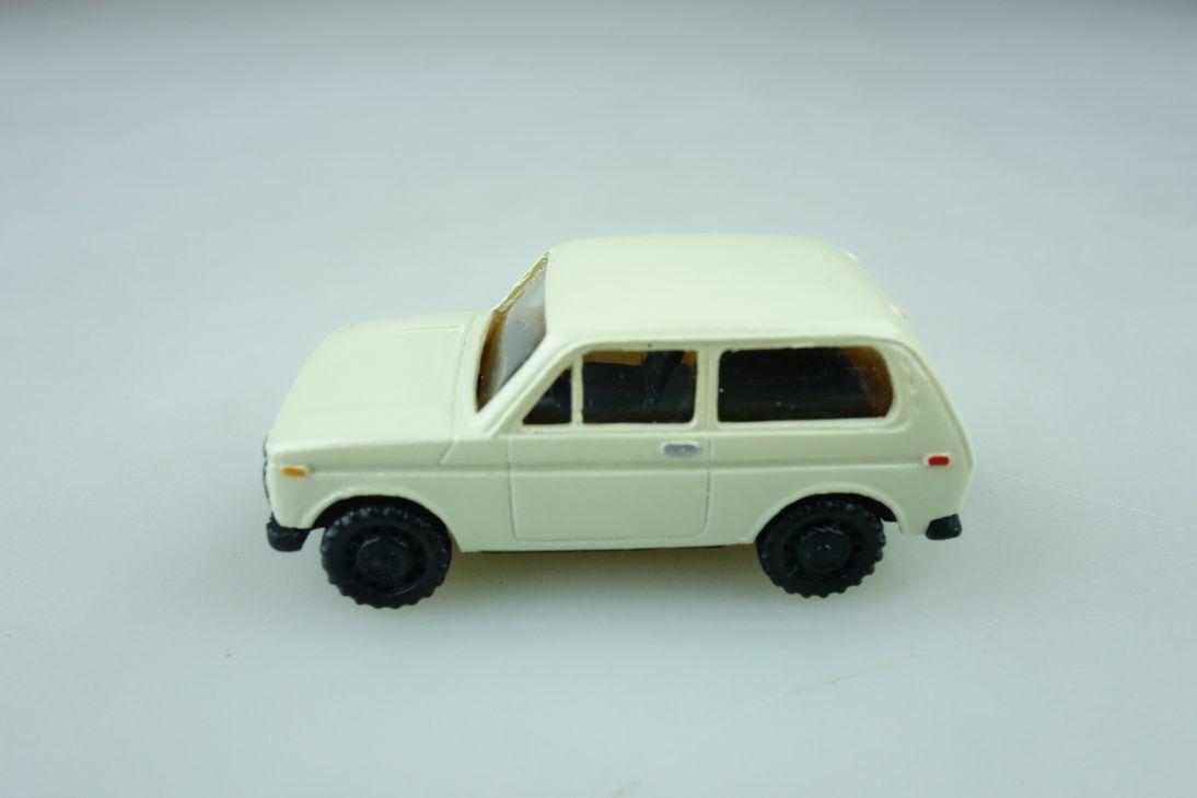 Modell Kleinserie 1/87 DDR USSR Lada Niva 2121 Geländewagen ohne Box 510267