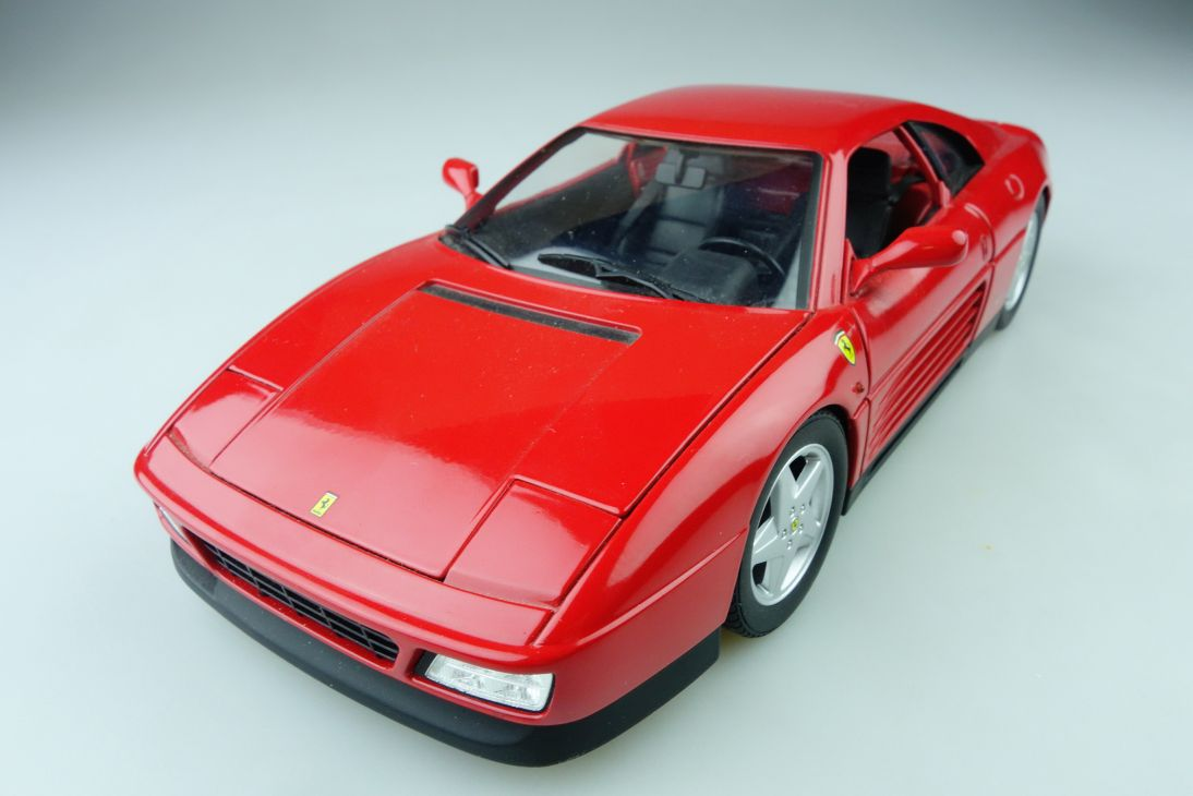 Hot Wheels 1/18 Ferrari 348 TB Coupe 1186 MJ ohne Box 510277
