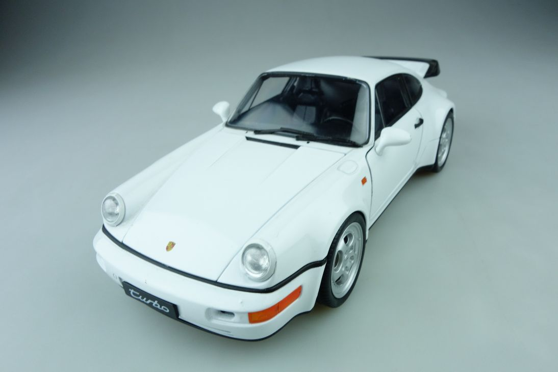 18026 Welly 1/18 Porsche 964 Turbo Coupe ohne Box 510278