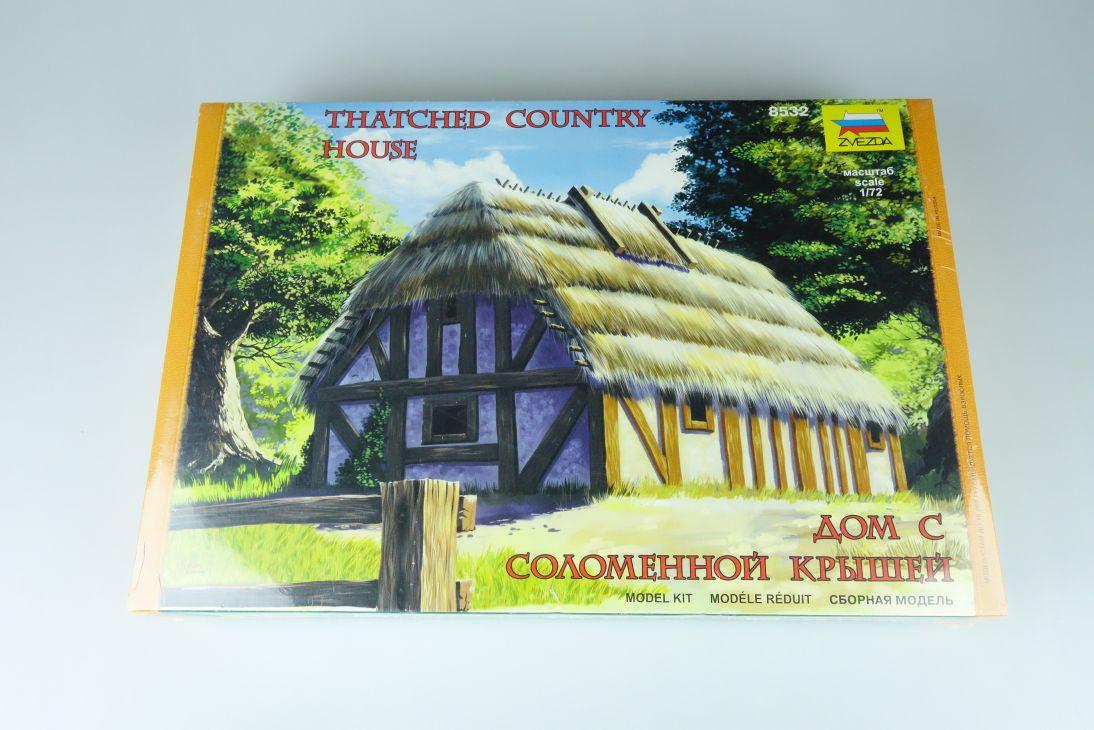 Zvezda 1:72 Thatched Country House Landhaus Kit 8532 Bausatz 107773