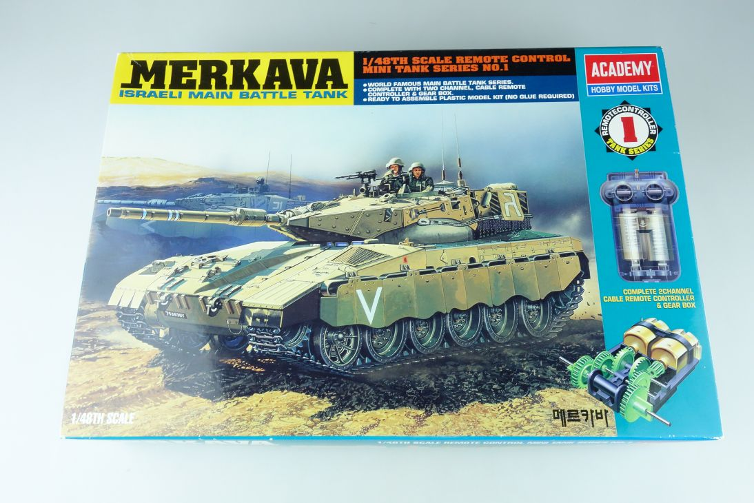 ACADEMY HOBBY MODEL KITS 1/48 MERKAVA Israeli battle Tank Kit 1301 107778