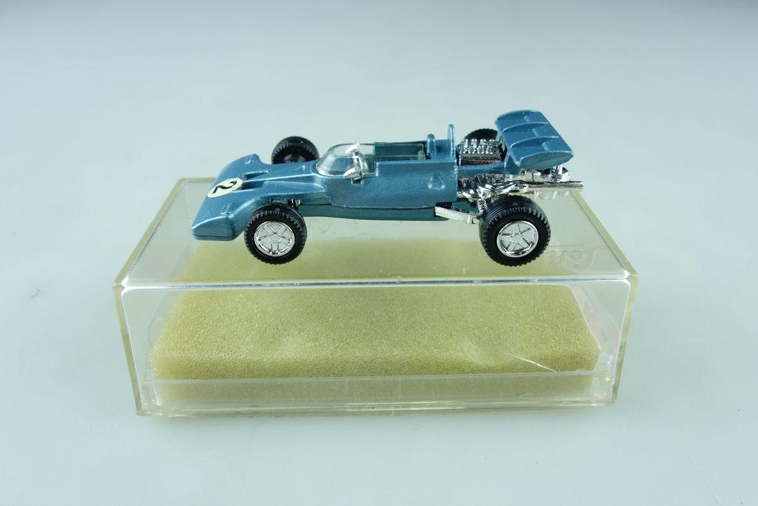 863 Schuco 1/66 Tyrrell Ford Formel 1 Rennwagen Racer blaumet. mit Box 510424