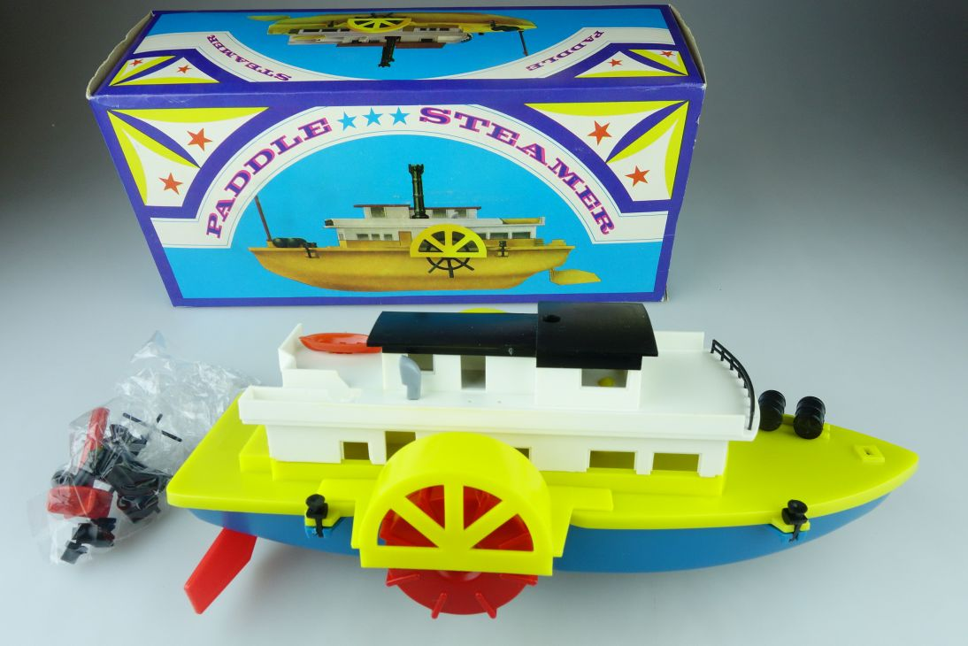 VEB Spielzeugland Raddampfer Federwerk Paddle Steamer Boot 69201 DDR 107823