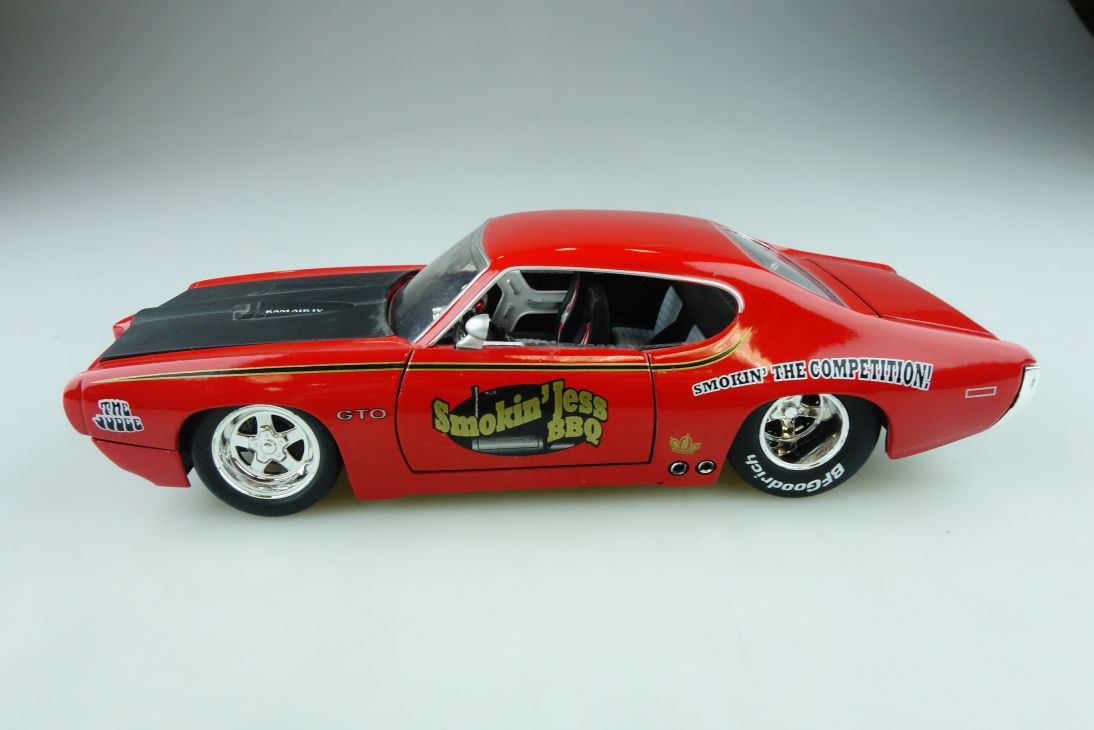 Jada Toys 1/24 Pontiac GTO Judge Coupe smokin Jess BBQ 1969 ohne Box 510619