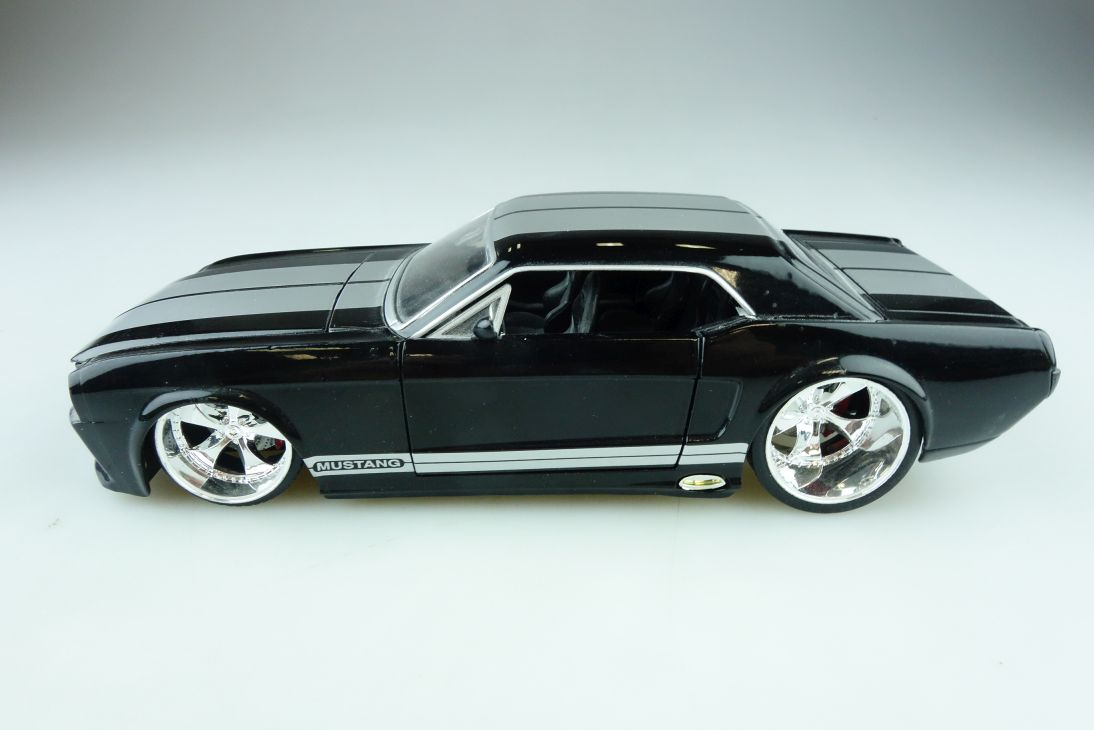 Jada Toys 1/24 Ford Mustang 1965 Hardtop Coupe Custom black ohne Box 510622