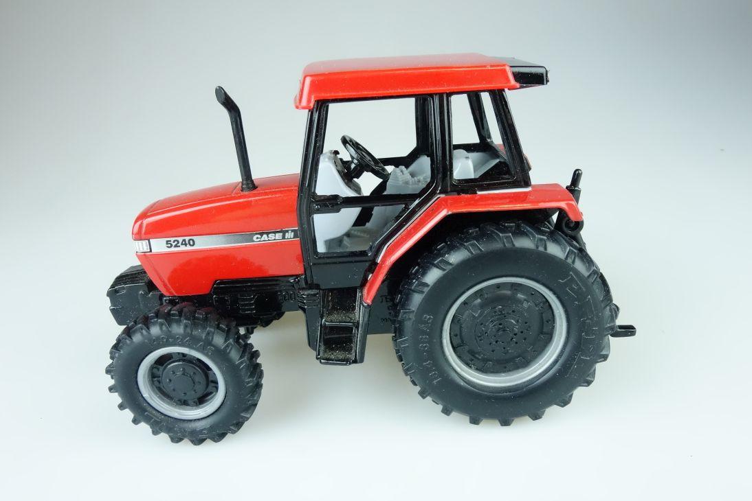 Ertl 1:32 5240 CASE III International Tractor Farmer 107851