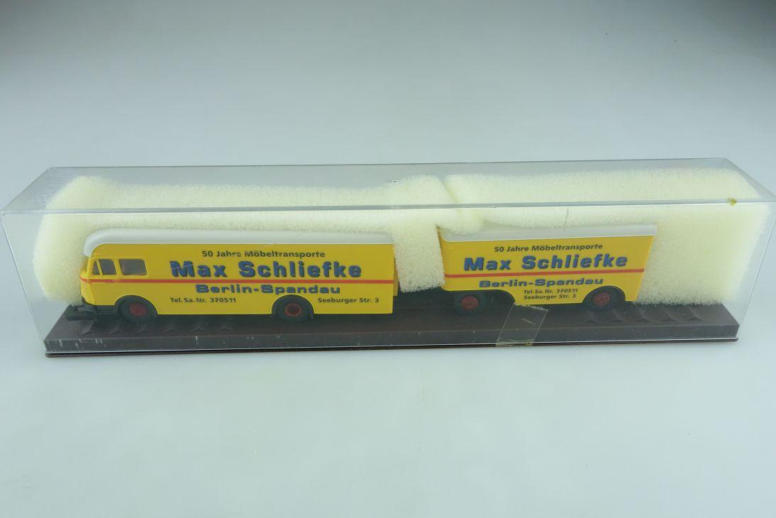Brekina 1/87 Büssing Berglöwe Möbeltransport Schliefke Berlin mit Box 510630