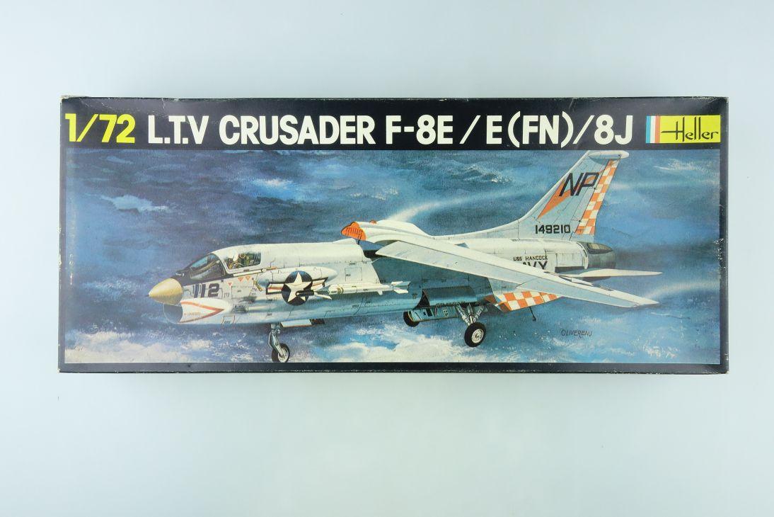 Heller 1/72 LTV Crusader F-8E / E (FN) 8J plane Kit 259 Box 108153