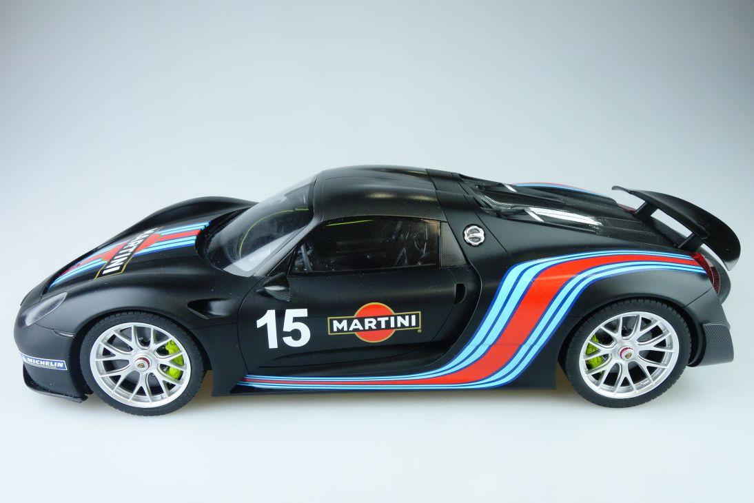 GT Spirit 1:12 Porsche 918 Martini Spyder Weissach 38cm Resin Modellauto 107942