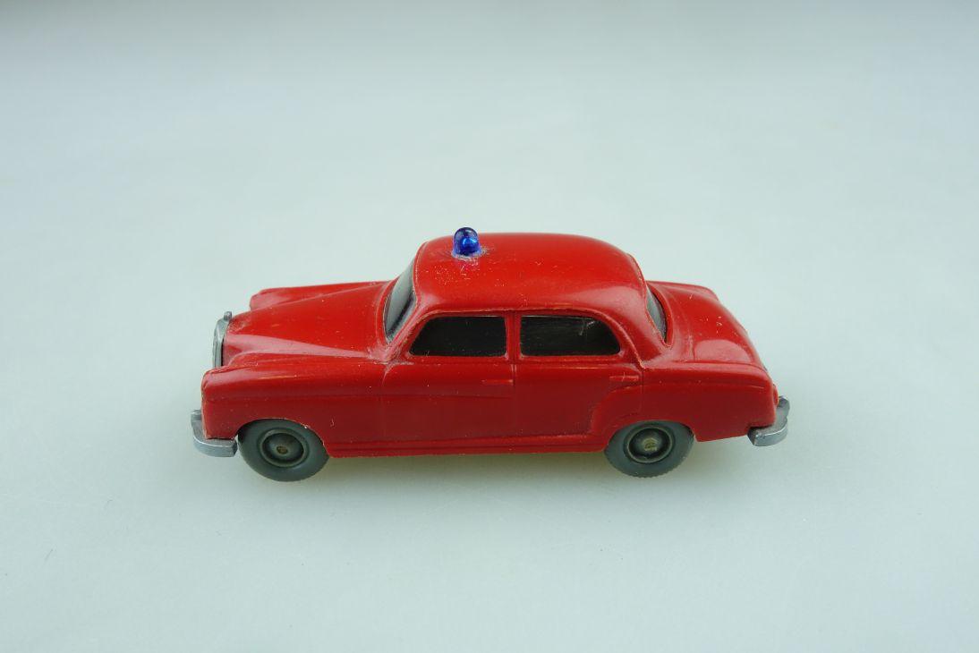 Saure 1041 Wiking 1/87 Mercedes Benz 220 Feuerwehr Brandmeister rot  510836