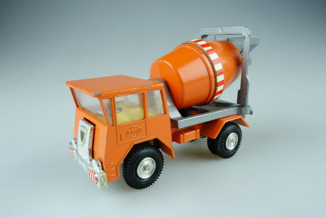 Gama Mini 1:43 Faun Transport Betonmischer 107975