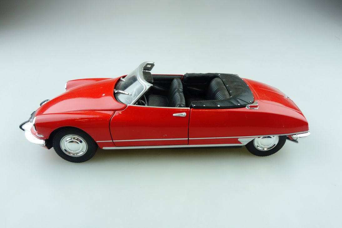 Welly 1/24 Citroen DS 19 Cabriolet Chapron ohne Box 510855