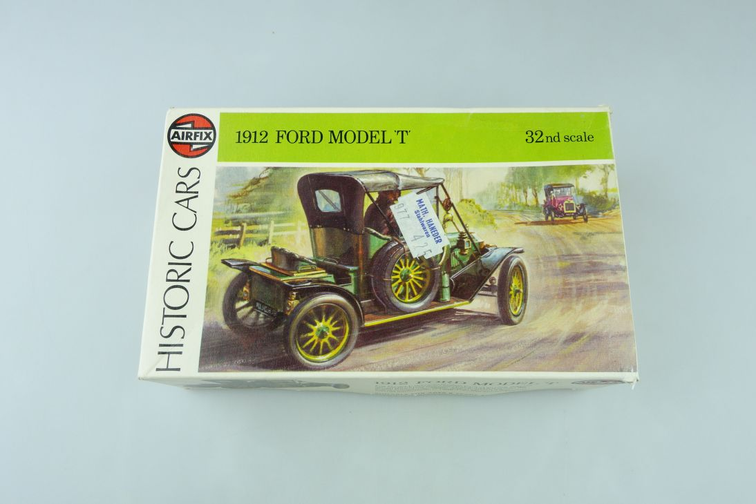 Airfix 1/32 1912 Ford Model T Historic Cars kit Bausatz 02443-9 Box 108401