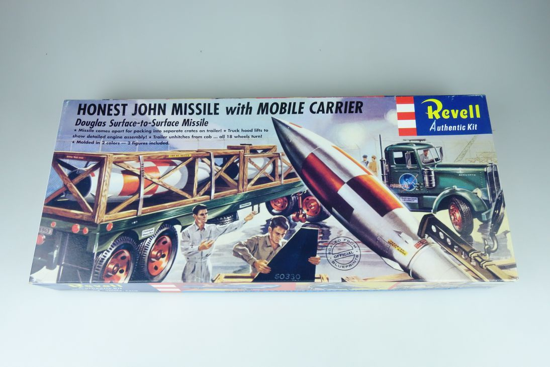 Revell 1/54 Honest John Missile & Mobile Carrier H-1821:169 kit 108308