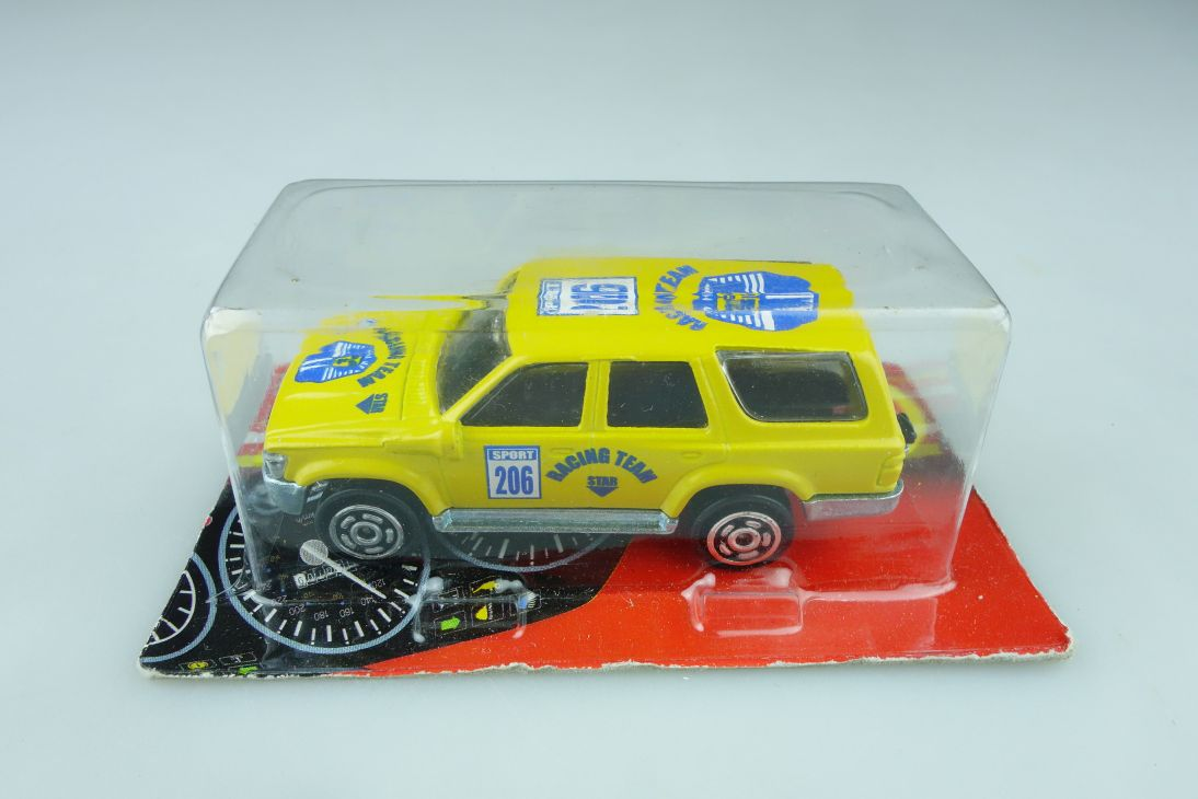 276 Majorette 1/58 Toyota Racing Team Station Wagon 4x4 mit Box 510975