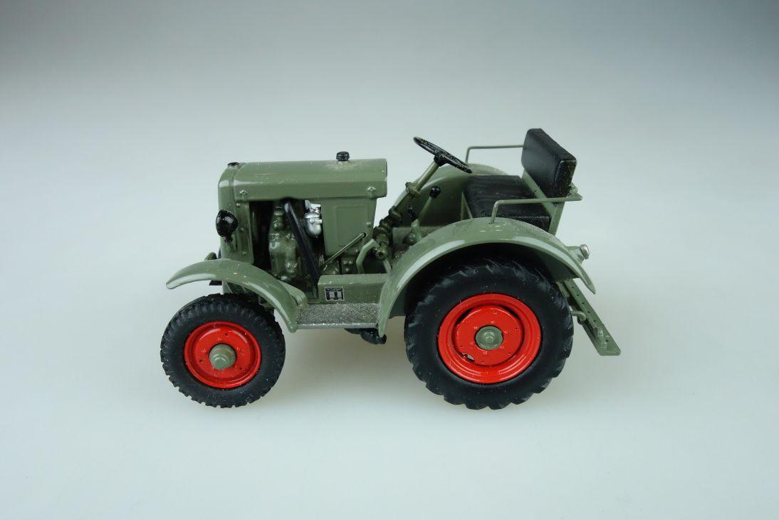 Schuco 1/43 Traktor DS 15 Schlüter tractor diecast model 108698