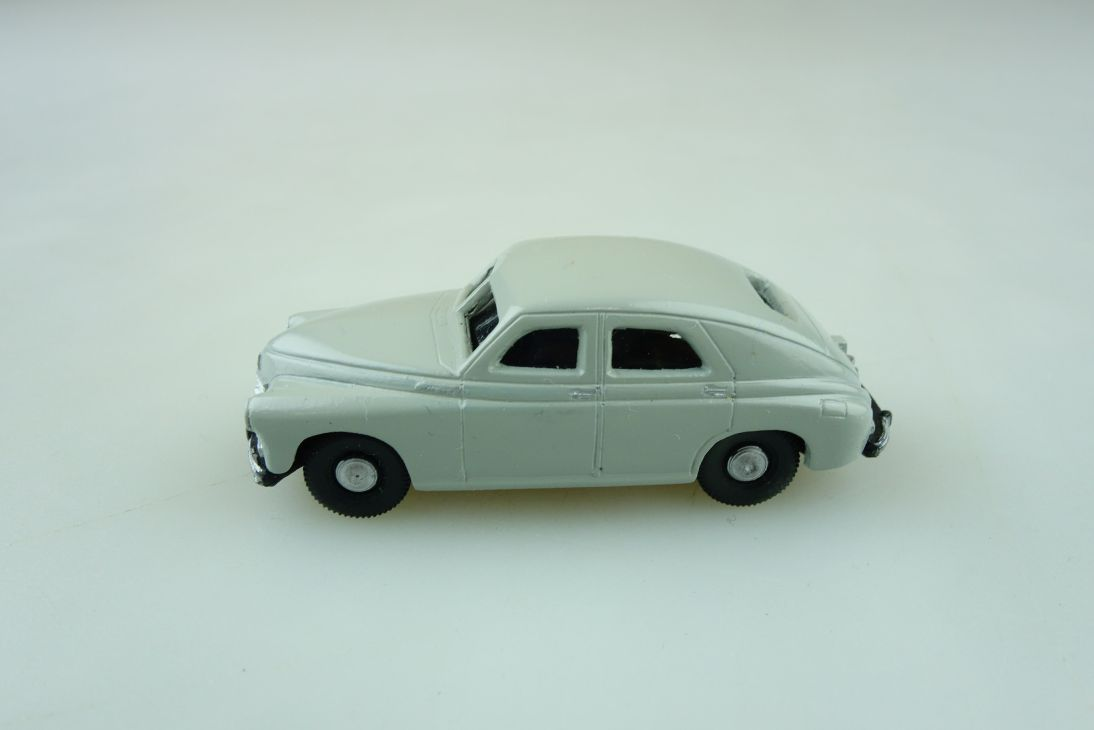 RK Modelle Kleinserie 1/87 Warzawa Pobjeda Fließheck grau ohne Box 511355