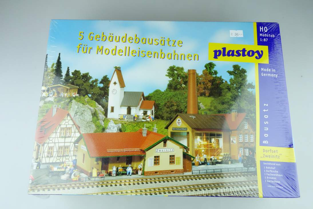 "Plastoy 1/87 H0 Dorfset ""Zweinitz"" 5 Gebäude Buildings kit 108463"