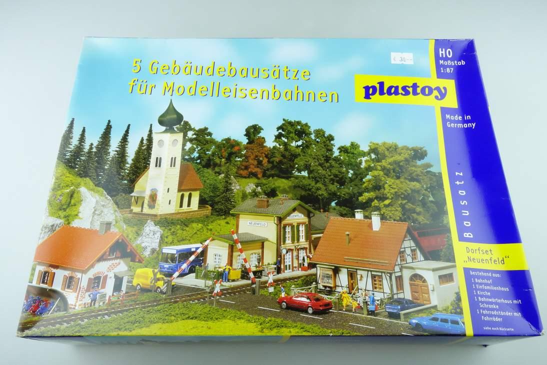 """Plastoy 1/87 H0 Dorfset """"Neuenfeld"""" 5 Gebäude Buildings kit 108467"""
