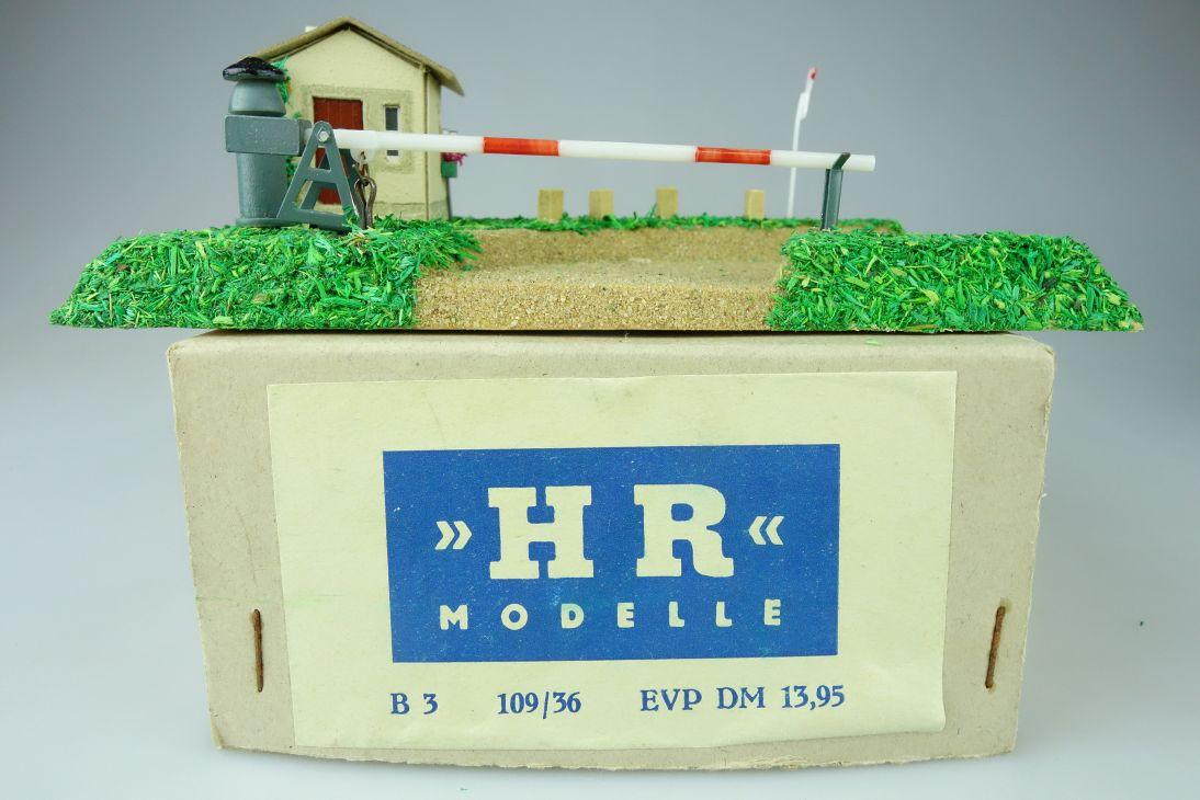 HR Modelle B3 109/36 H0 Bahnübergang Holz mit Antrieb Licht Bastler OVP 108575