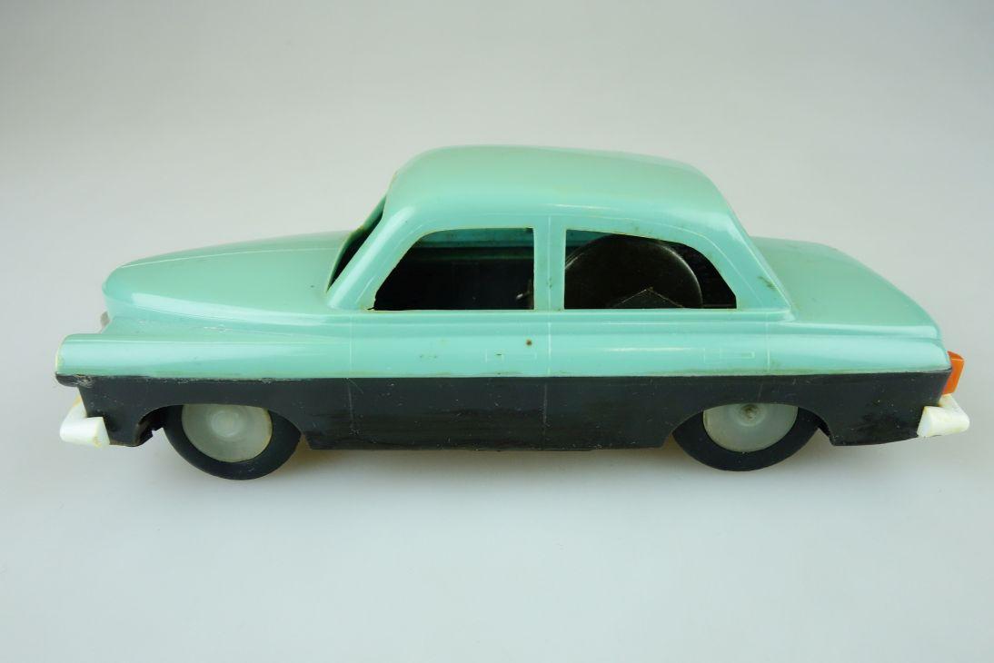 CCCP USSR DDR Pobeda ? Plastic Schwungrad Spielzeug Auto 13,5cm vintage 108593