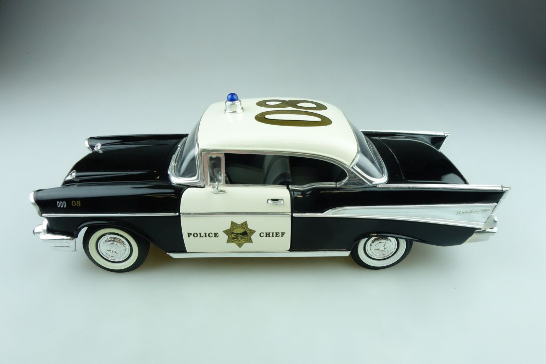 Sun Star 1/18 Chevrolet Bel Air Hardtop 1957 Police Polizei ohne Box 511559