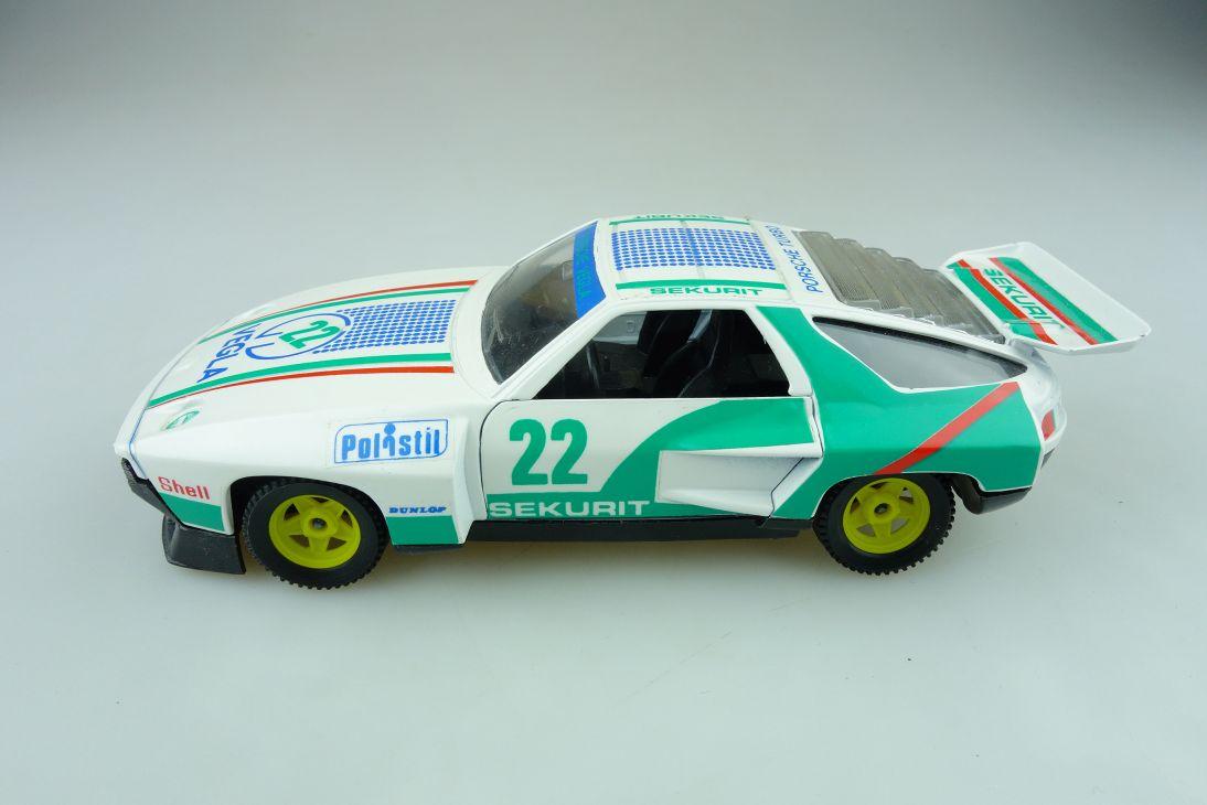 SN03 Polistil 1/25 Porsche 928 Turbo Coupe Sekurit Veglia ohne Box 511597