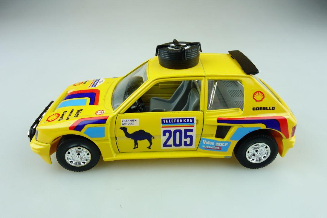 106 Bburago 1/24 Peugeot 205 Rally Turbo Vatanen Giroux ohne Box 511622