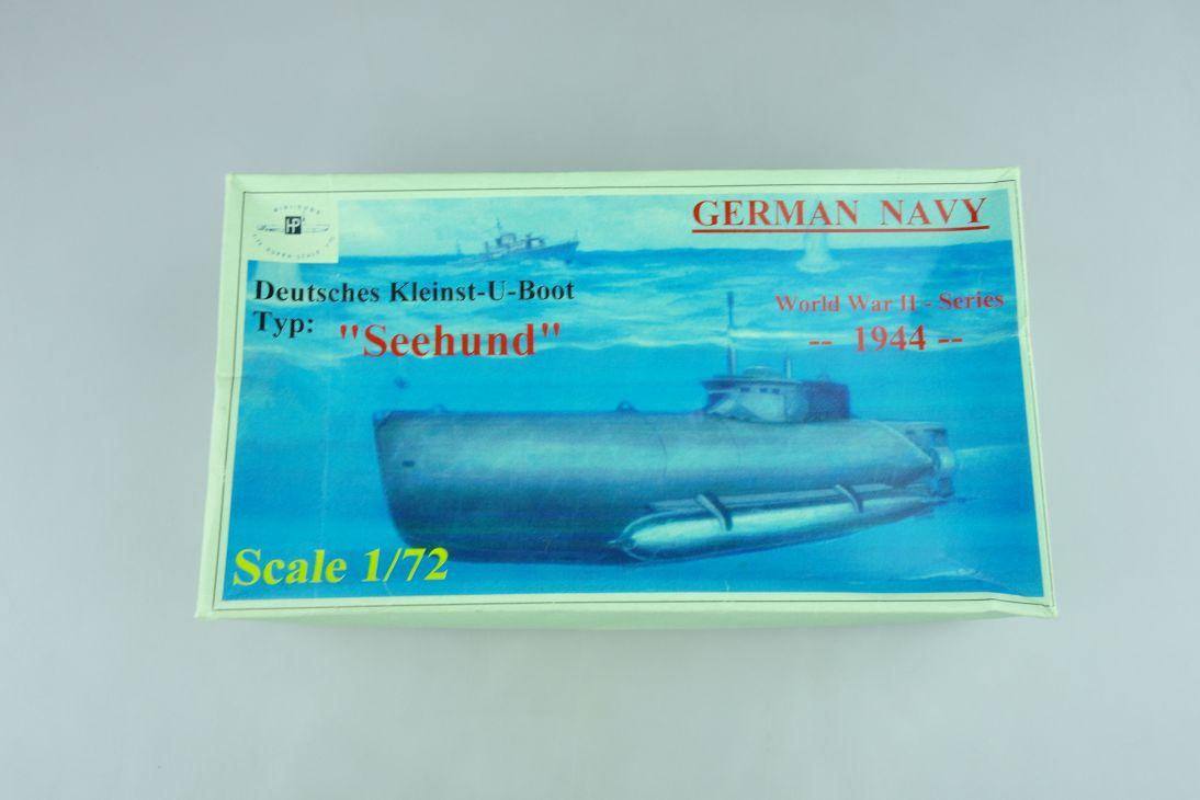 """Mini-Subs 1/72 Deutsches Kleinst-U-Boot """"Seehund"""" WWII 1944 model kit 108647"""