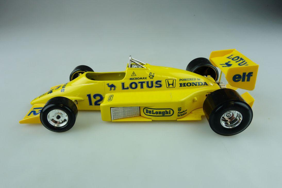 Burago 1/24 Honda Lotus 97 T Formel 1 Rennwagen ohne Box 511710