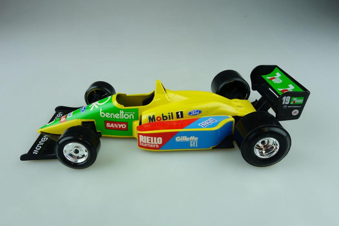 Burago 1/24 Benetton Ford B 188 Formel 1 Nannini  ohne Box 511713
