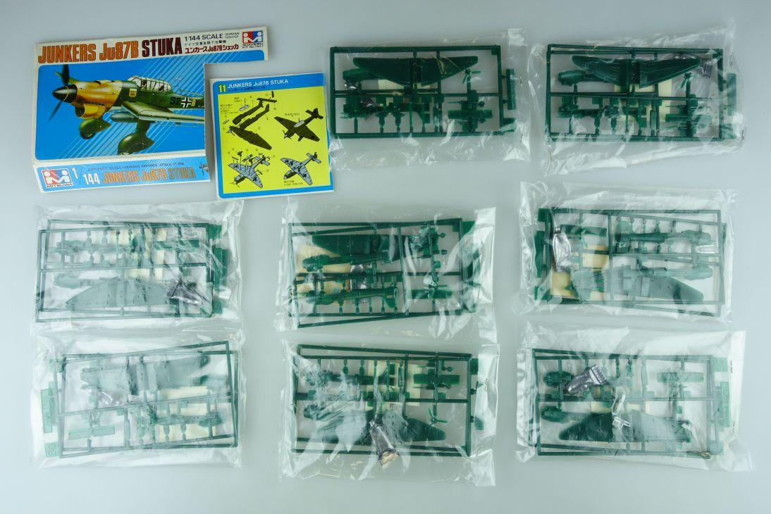 Mitsuwa 1/144 8x Junkers Ju87B Stuka No. 1011 prop plane kit 108839
