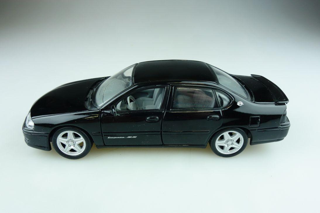 Maisto 1/24 Chevrolet Impala SS fourdoor Sedan ohne Box 511826