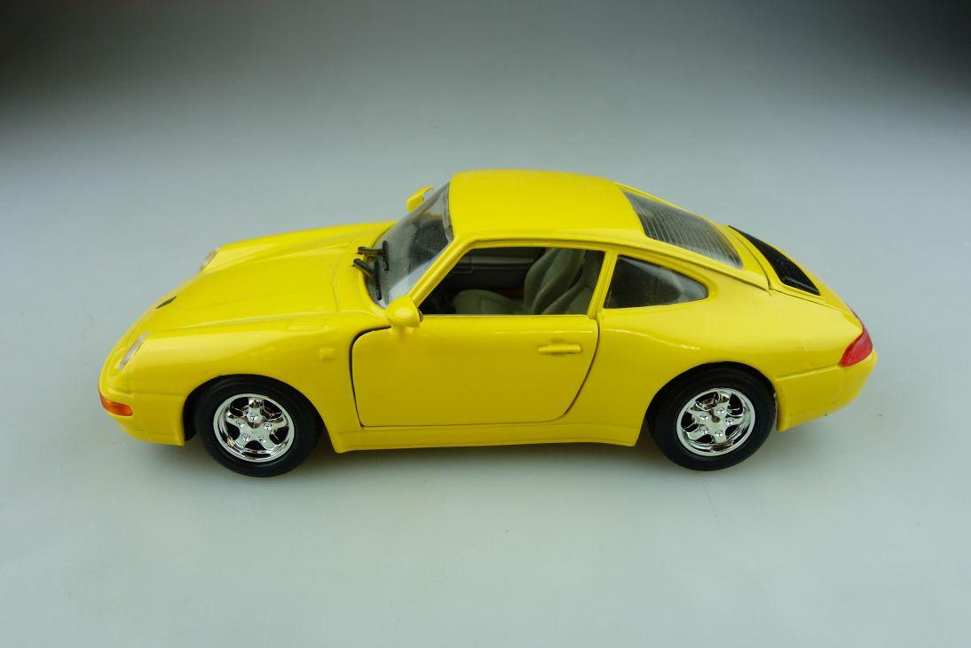 68021 Schuco 1/24 Porsche 911 Coupe gelb ohne Box 511835