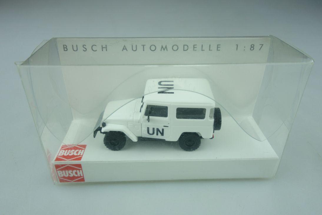 43002 Busch 1/87 Toyota Land Cruiser UN Variante selten mit Box 511866