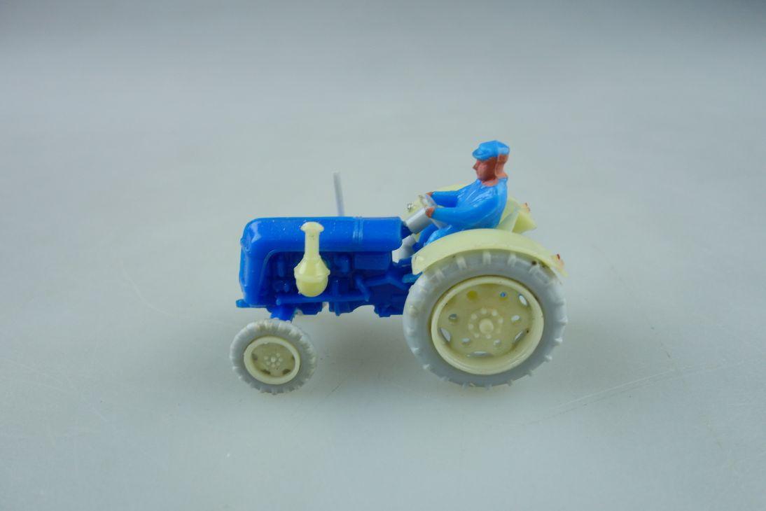 Haufe.1/87 Famulus RS 32 Traktor Schlepper ohne Box 511881